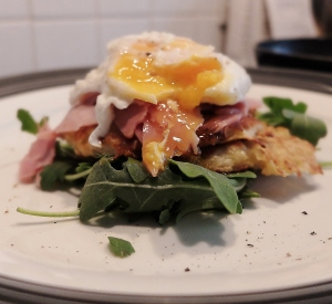 Rösti with torn ham